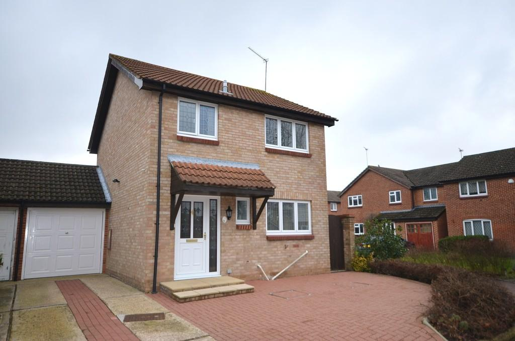 3 Bedrooms Link Detached House for sale in Cornbunting Close, College Town