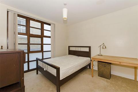 2 bedroom flat to rent - Riga Mews, E1