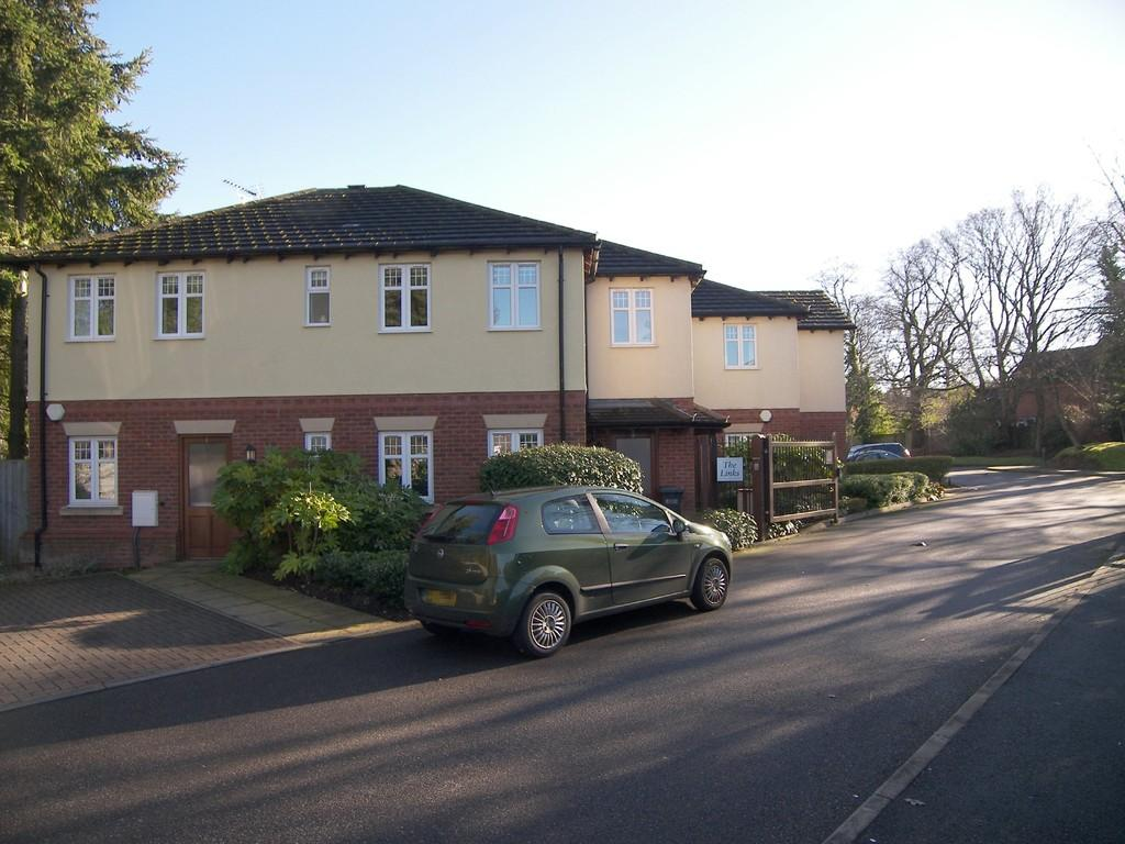 2 Bedrooms Apartment Flat for sale in Westley Close, Hall Green