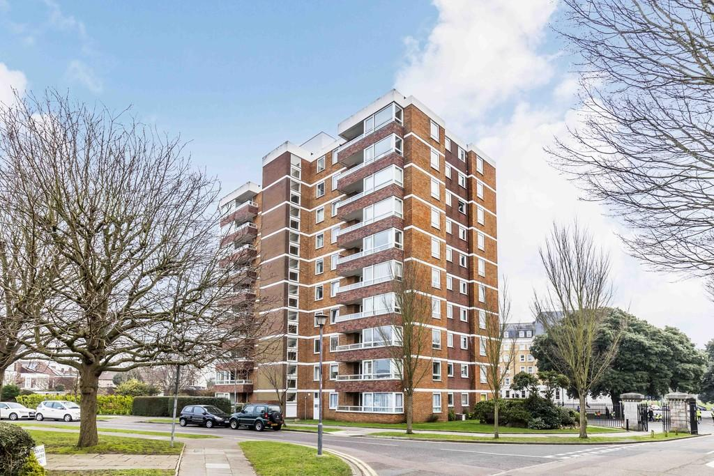 2 Bedrooms Apartment Flat for sale in Blount Road, Portsmouth