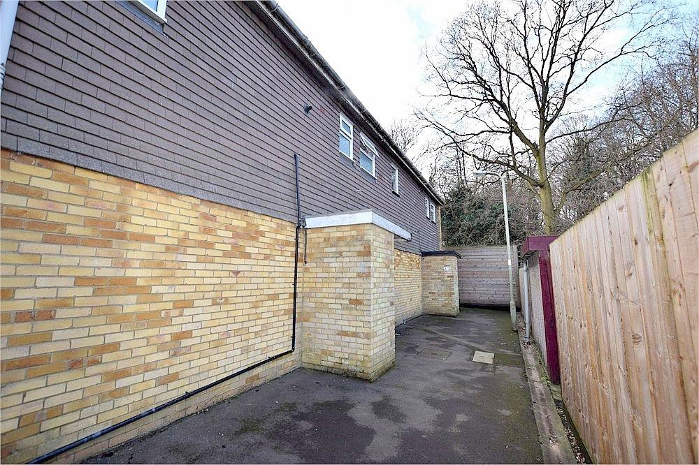3 Bedrooms Terraced House for sale in Foxhill, WATFORD, Hertfordshire