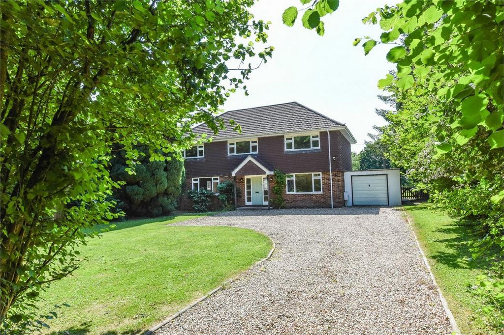 4 Bedrooms Detached House for sale in Boyneswood Road, Medstead