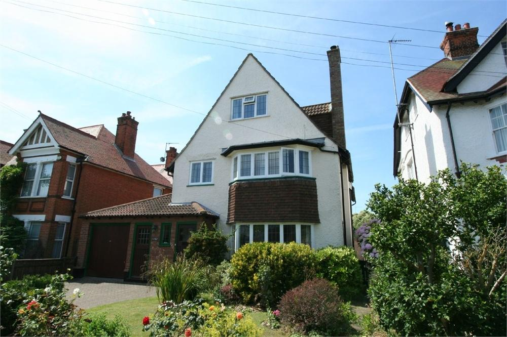 6 Bedrooms Detached House for sale in Queens Road, FRINTON-ON-SEA, Essex