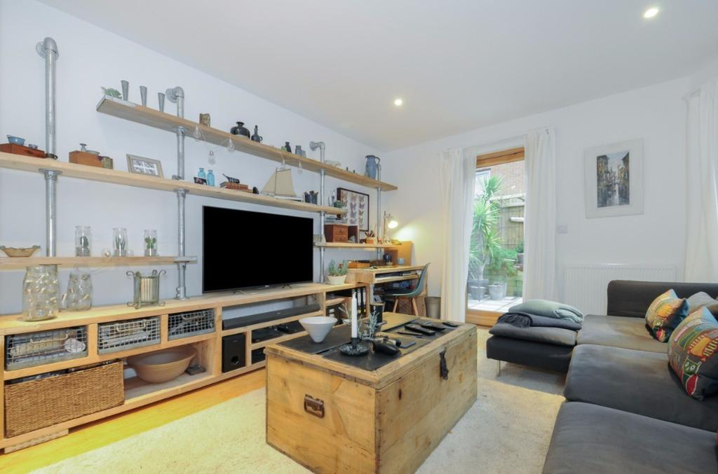 2 Bedrooms Flat for sale in Orchard Road Hove East Sussex BN3