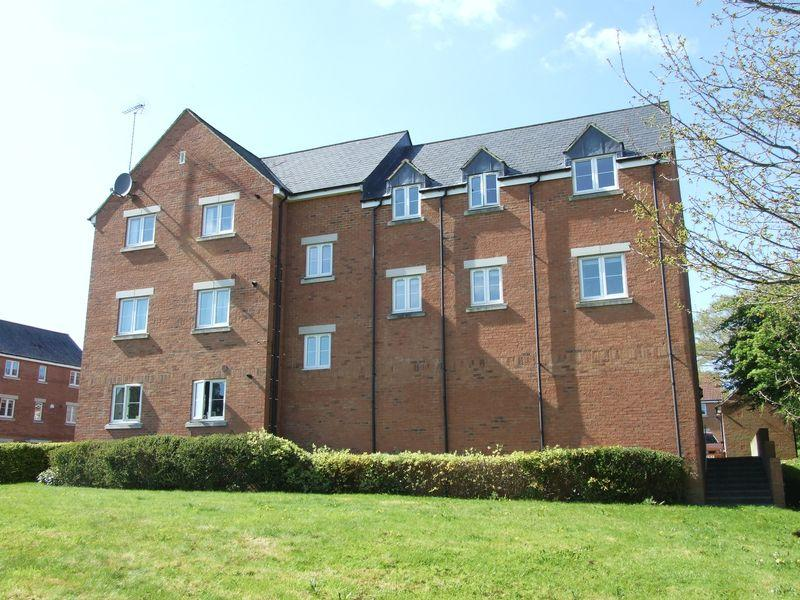 2 Bedrooms Apartment Flat for sale in Vinescroft, Staverton