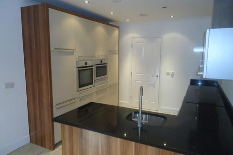 3 bedroom apartment to rent - The Palm, Ibbotsons Lane, Liverpool