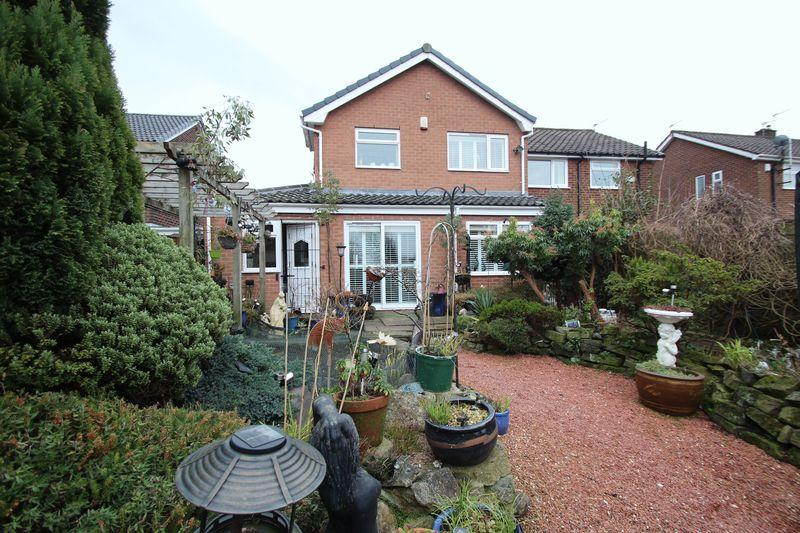 3 Bedrooms Semi Detached House for sale in Arnold Road, Gee Cross
