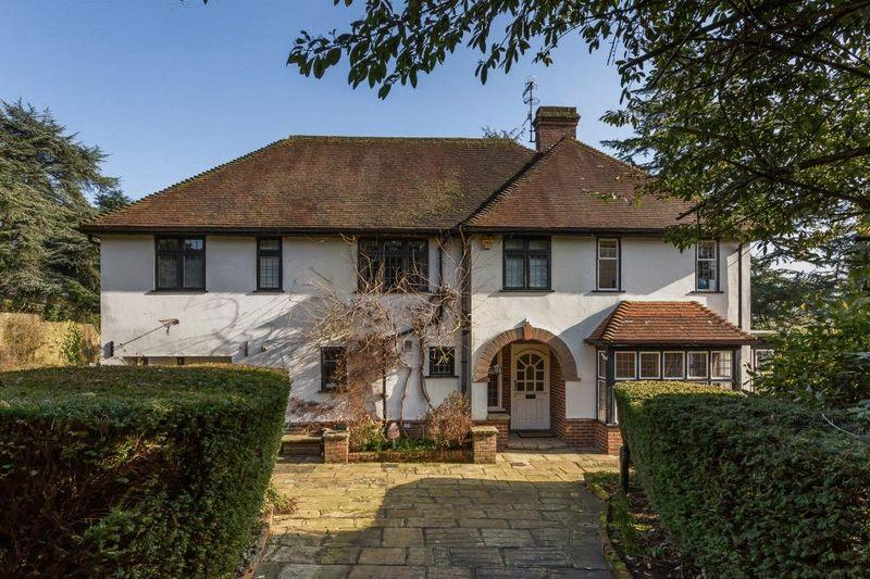 5 Bedrooms Detached House for sale in WESTCOTT, Nr DORKING