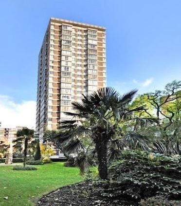 4 Bedrooms Flat for sale in Cambrigde Square, London
