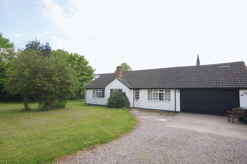 4 Bedrooms Detached Bungalow for sale in Thornton Common Road, Wirral