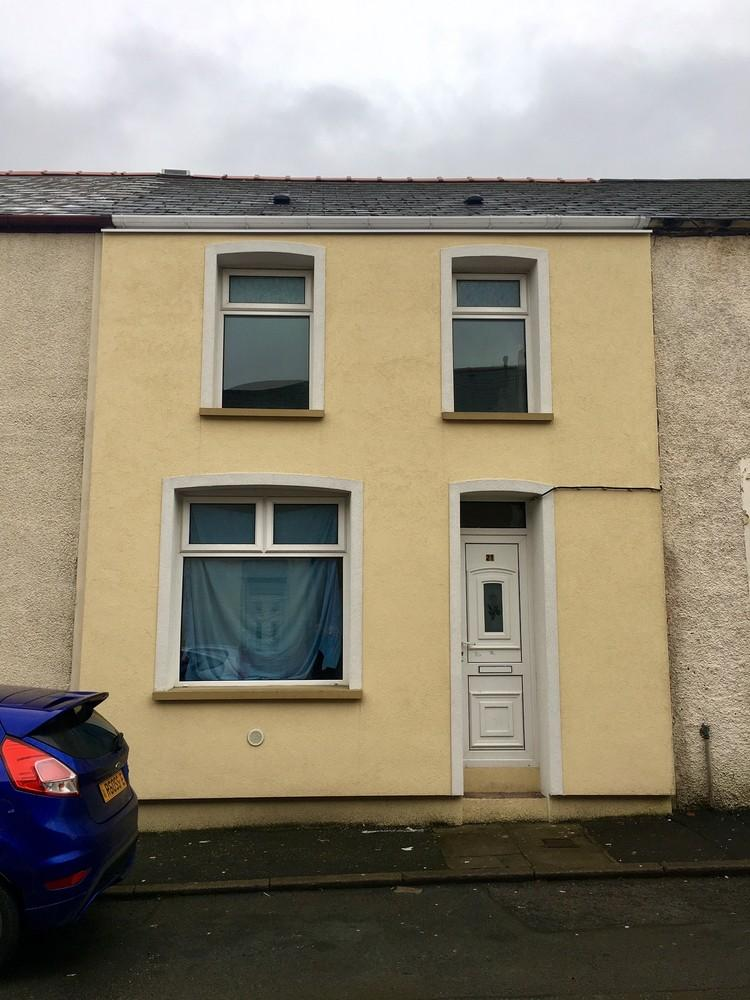 2 Bedrooms Terraced House for sale in Bishop Street, Abertillery, Gwent