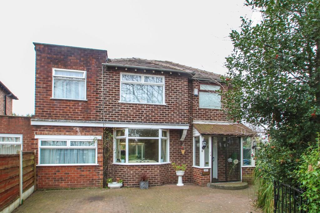 4 Bedrooms Detached House for sale in Hayeswater Circle, Davyhulme, Manchester, M41