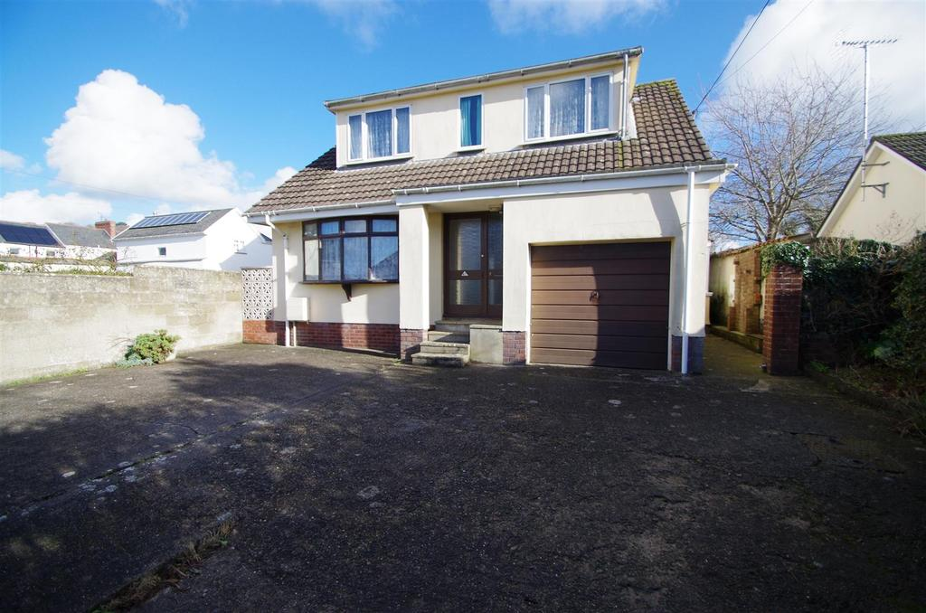 3 Bedrooms Detached Bungalow for sale in South Street, Braunton
