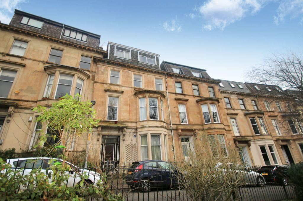 2 Bedrooms Flat for sale in Flat 2, 7 Botanic Crescent, Botanics, Glasgow, G20 8QQ