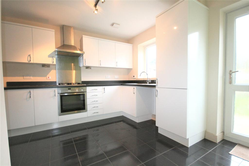 4 Bedrooms Terraced House for sale in Saxonfields Drive, Stallingborough, DN41