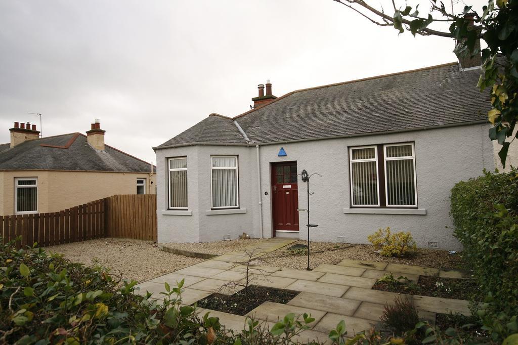 3 Bedrooms Semi Detached Bungalow for sale in 27 Captains Road, Gracemount, Edinburgh EH17 8HR