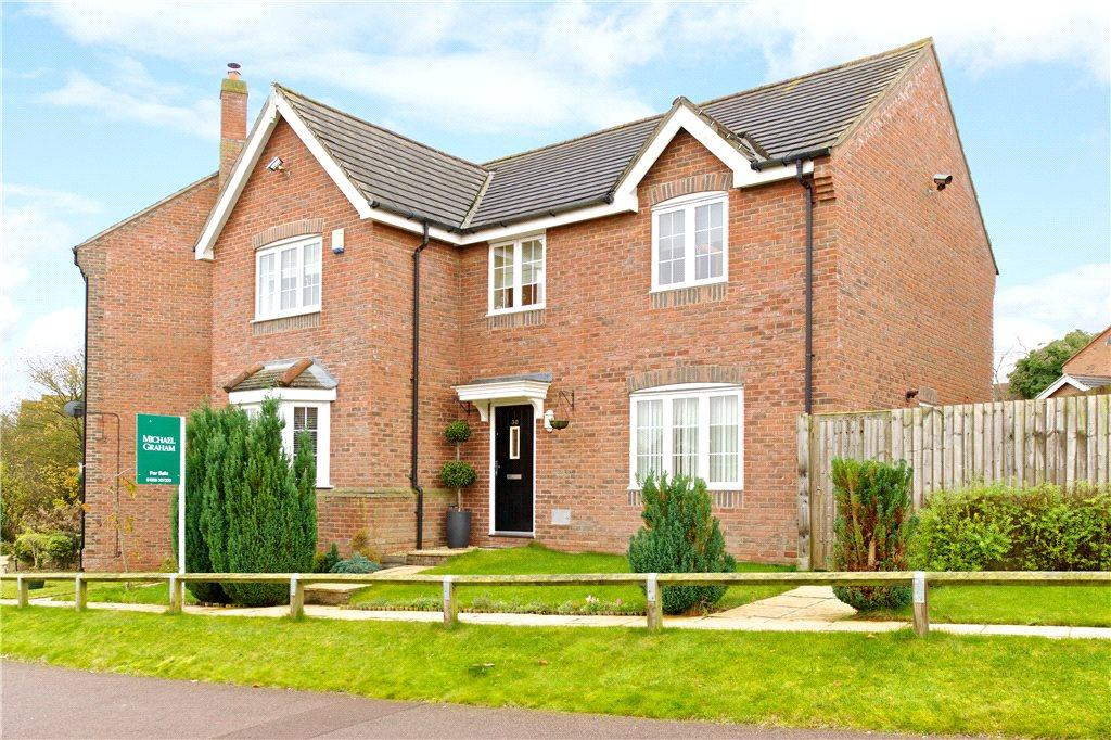 4 Bedrooms Detached House for sale in Otterburn Crescent, Oakhill, Milton Keynes, Buckinghamshire