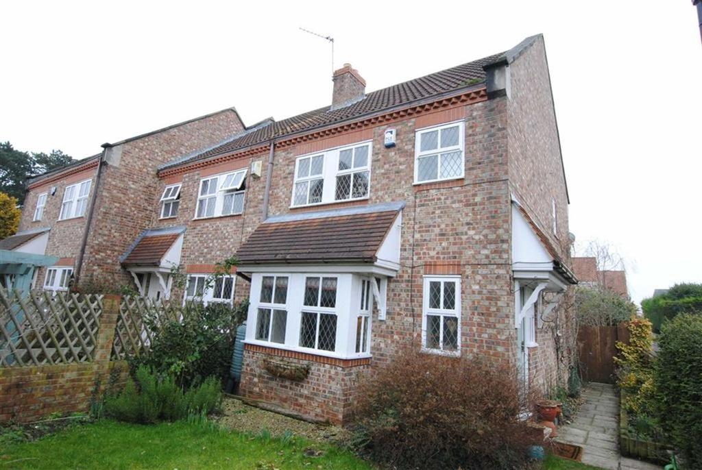 3 Bedrooms Town House for sale in Burns Way, Clifford, LS23