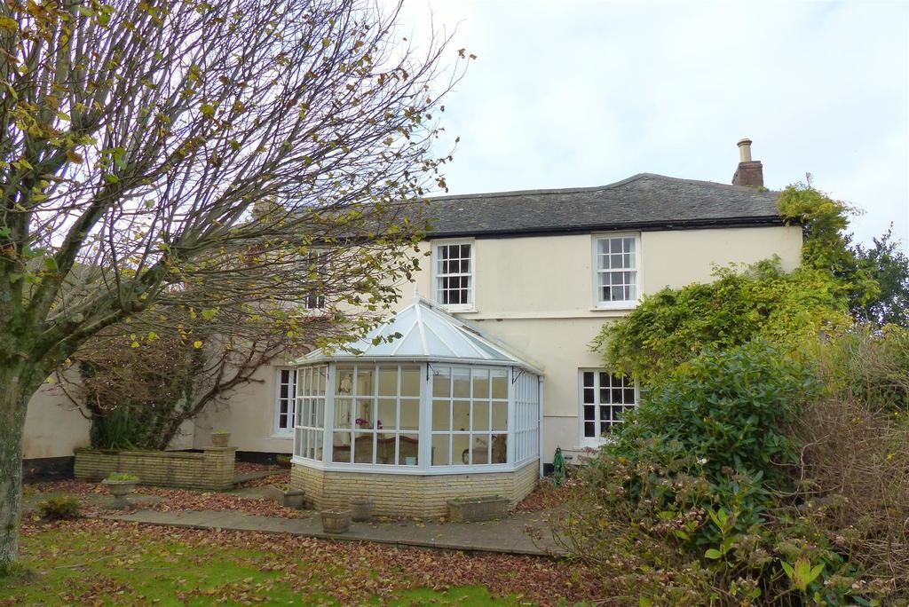 4 Bedrooms Farm House Character Property for sale in Feock