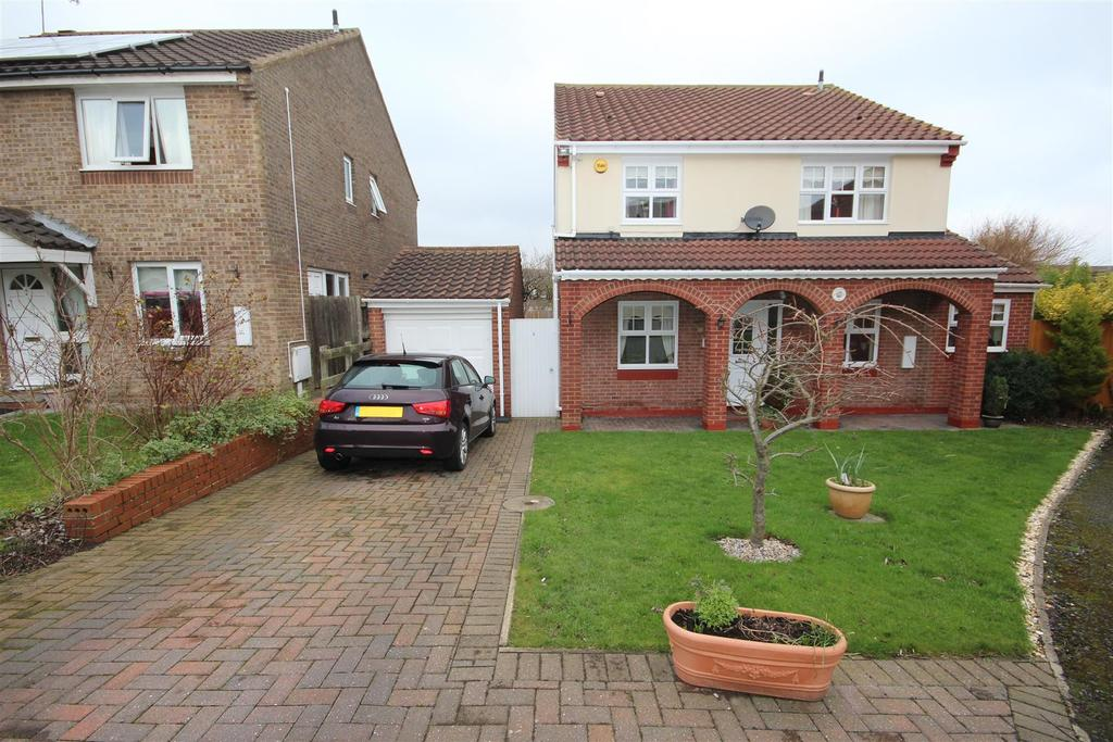 4 Bedrooms Detached House for sale in Newquay Close, Hartlepool