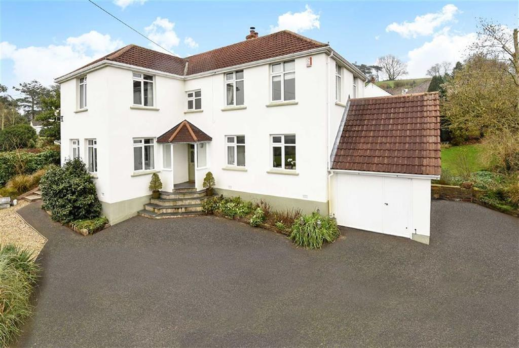 4 Bedrooms Detached House for sale in Landkey Road, Barnstaple, Devon, EX32