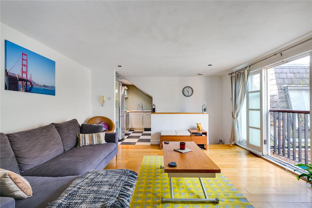 2 Bedrooms Flat for sale in Upper Richmond Road West, London