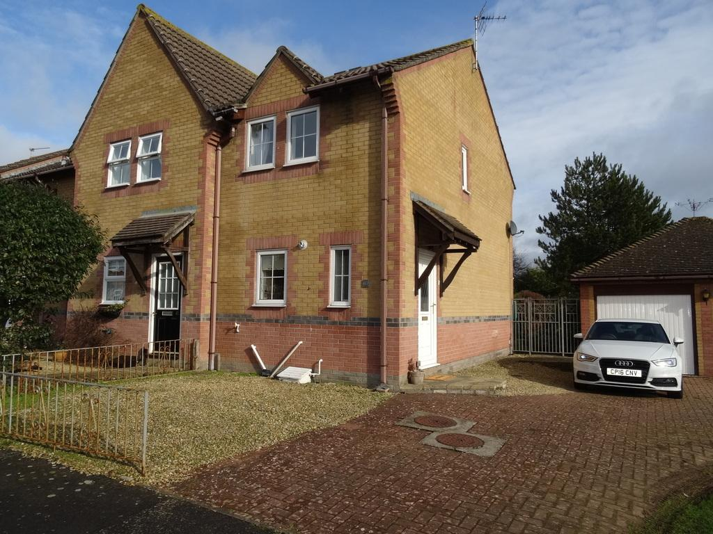 2 Bedrooms End Of Terrace House for sale in OGMORE DRIVE, NOTTAGE, PORTHCAWL, CF36 3HR
