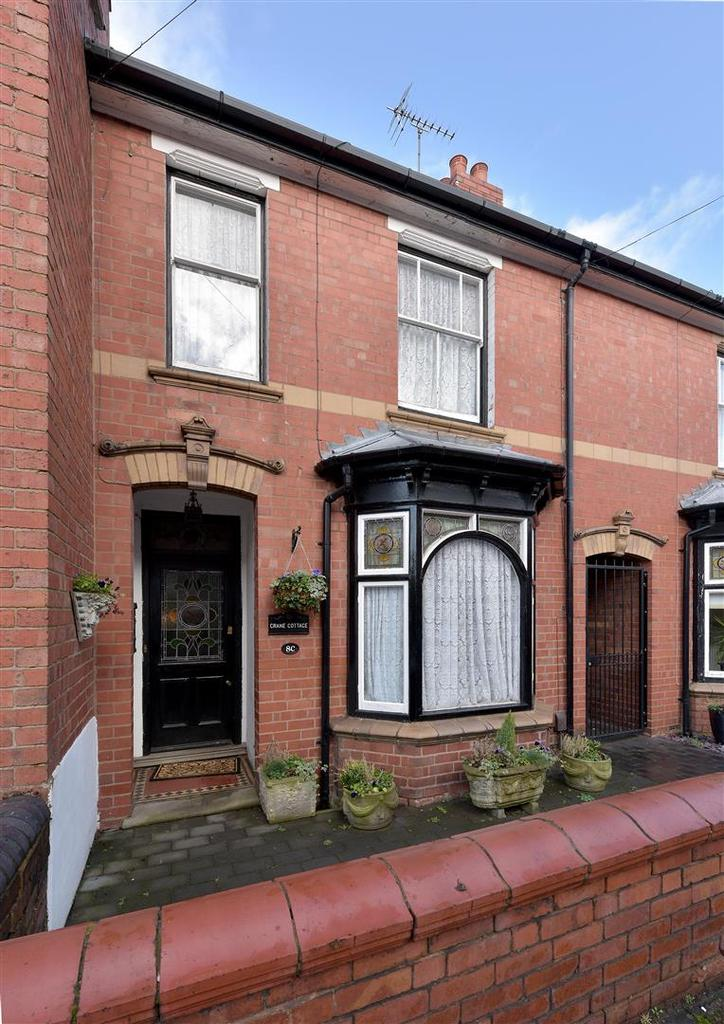 4 Bedrooms Semi Detached House for sale in Park Street, Kingswinford