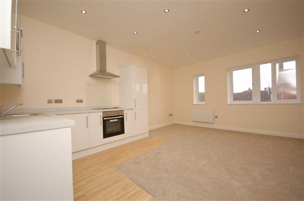 2 Bedrooms Apartment Flat for sale in Main Road, Radcliffe on Trent