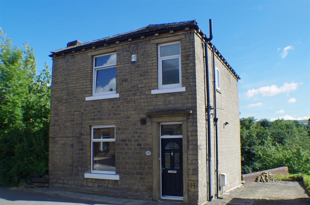 3 Bedrooms Detached House for sale in Saddleworth Road, Greetland