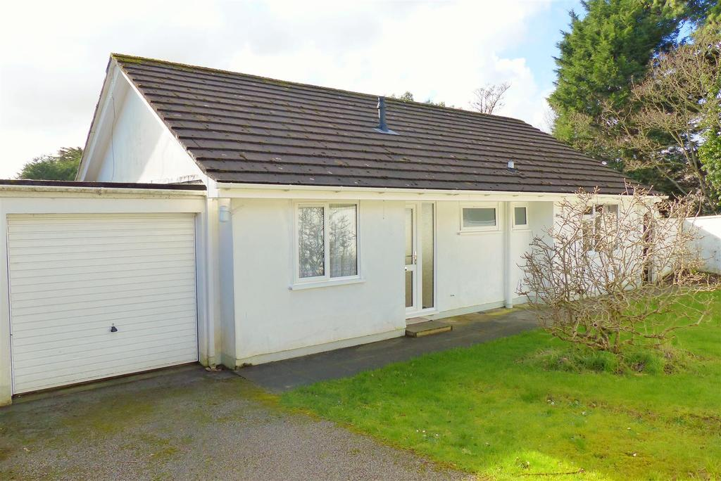 3 Bedrooms Detached Bungalow for sale in Moresk Road, Truro