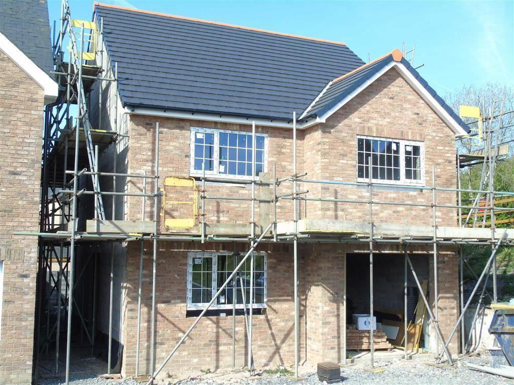 4 Bedrooms Detached House for sale in Clos Y Gat, Gorslas, Carmarthenshire
