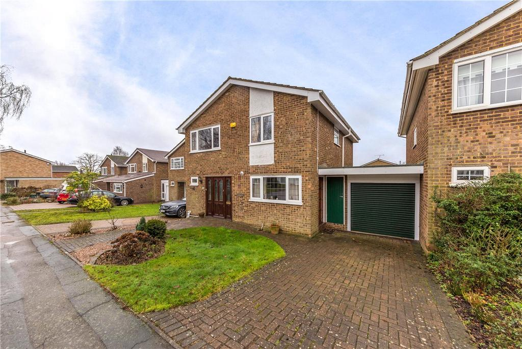 4 Bedrooms Detached House for sale in Lindum Place, St. Albans, Hertfordshire
