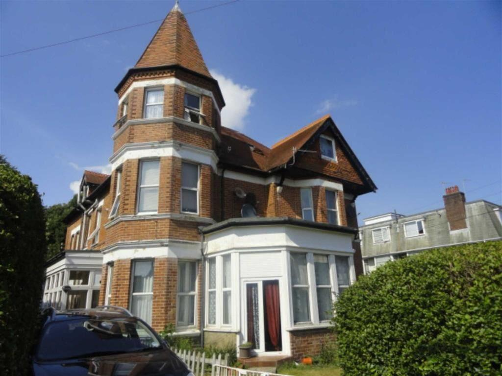 2 Bedrooms Flat for sale in Florence Road, Bournemouth, Dorset, BH5