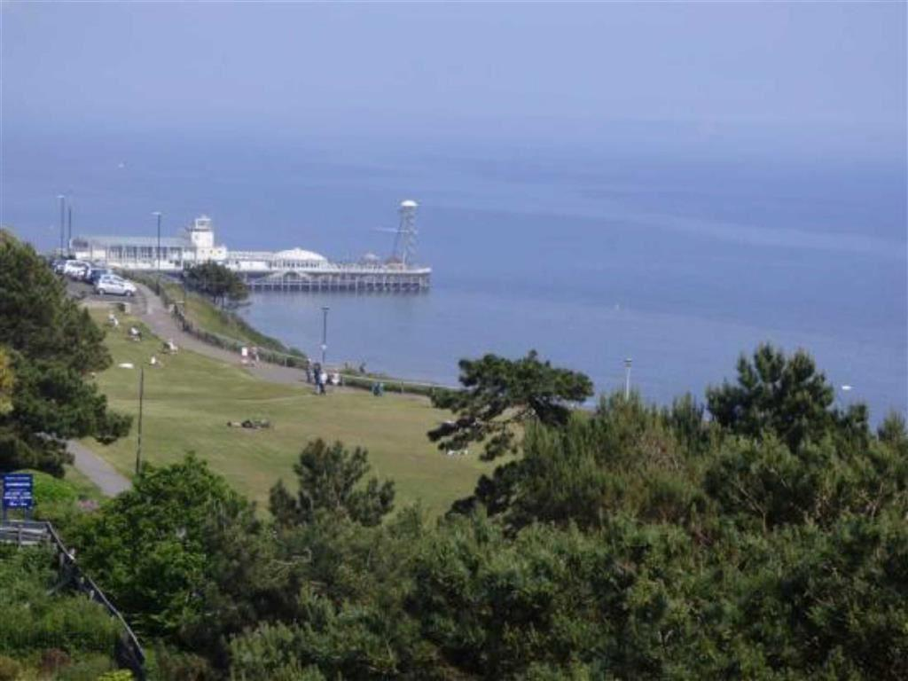 2 Bedrooms Flat for sale in Durley Gardens, Bournemouth, Dorset, BH2