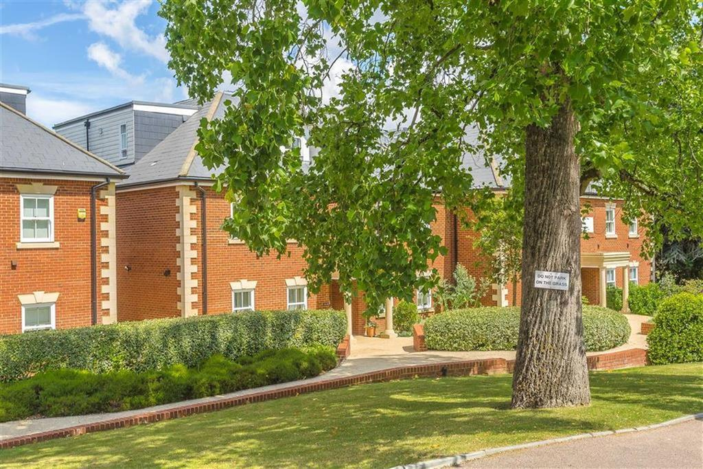 2 Bedrooms Apartment Flat for sale in West Hill Place, Oxted, Surrey