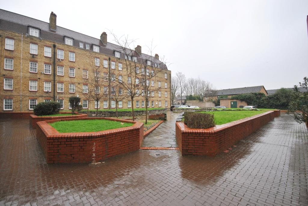 1 Bedroom Flat for sale in Doddington Grove Walworth SE17