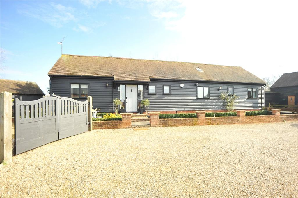 3 Bedrooms Detached Bungalow for sale in Spurriers Farm Barns, Norton Heath, Ingatestone, Essex, CM4