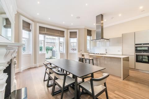 3 bedroom flat to rent - Green Street, Mayfair, London