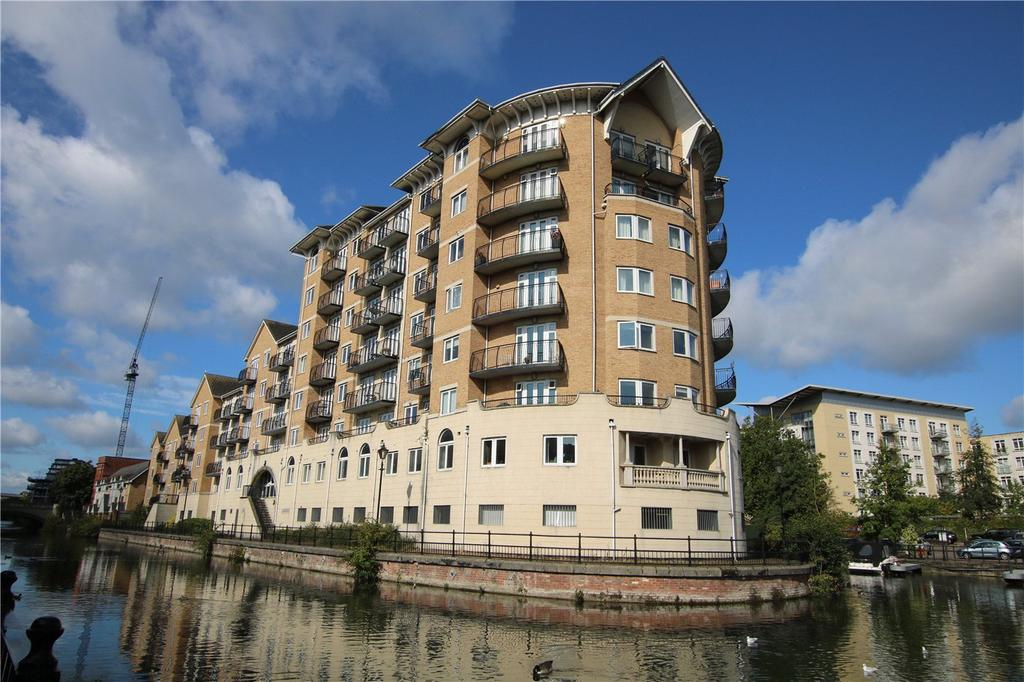3 Bedrooms Flat for sale in Blakes Quay, Gas Works Road, Reading, Berkshire, RG1