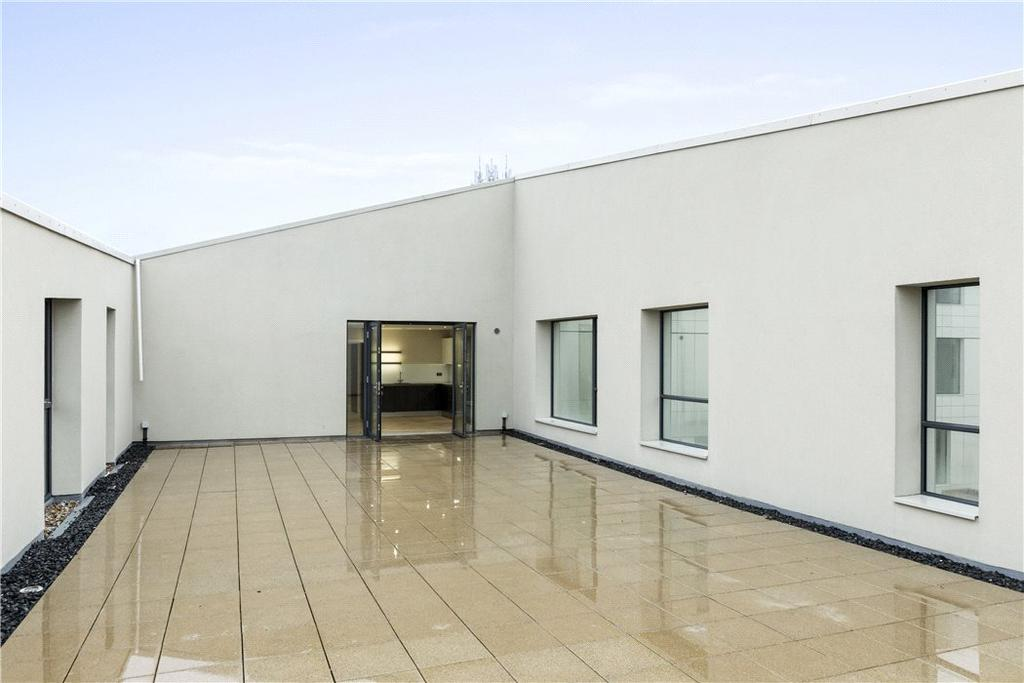 2 Bedrooms Flat for sale in The Bellerby Apartments, Leapale Lane, Guildford, Surrey, GU1