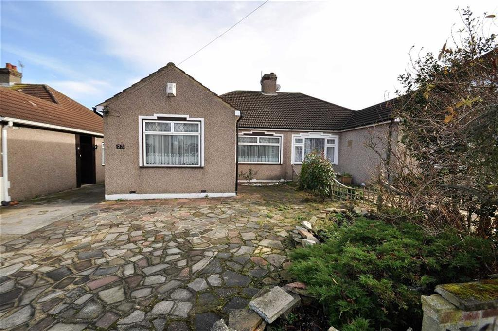 3 Bedrooms Semi Detached Bungalow for sale in Luddesdon Road, Erith