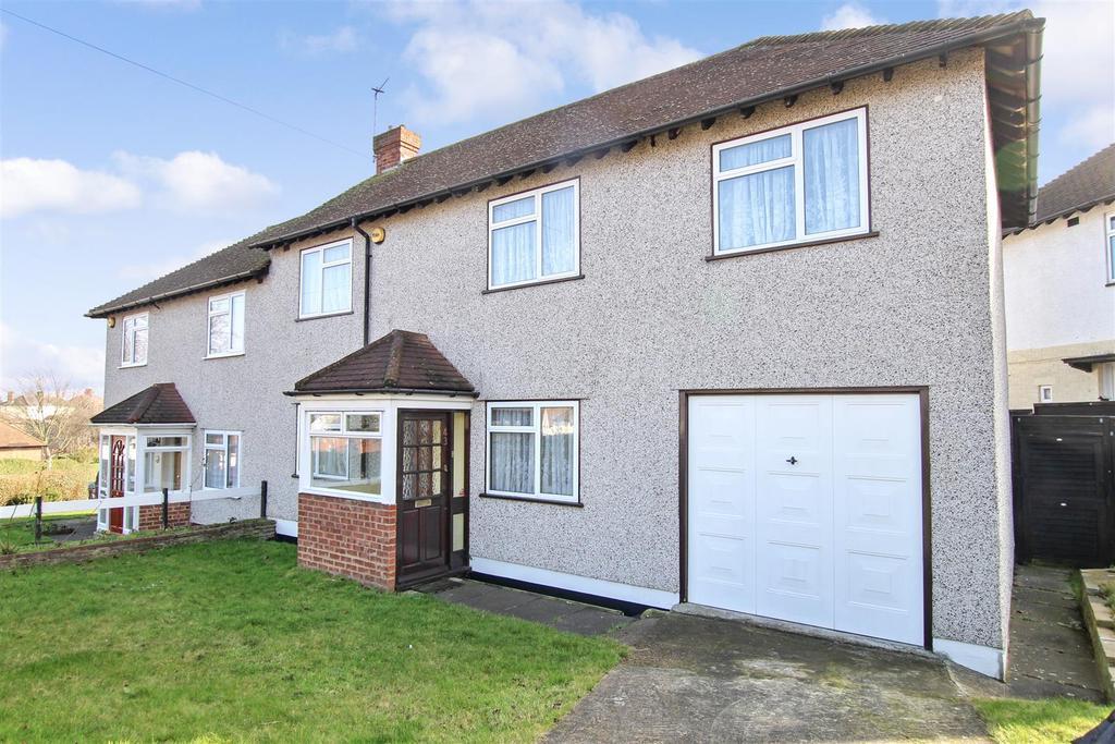 3 Bedrooms Semi Detached House for sale in Ridge Way, Crayford
