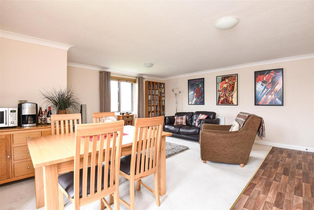 3 Bedrooms Apartment Flat for sale in Beechgate, Witney