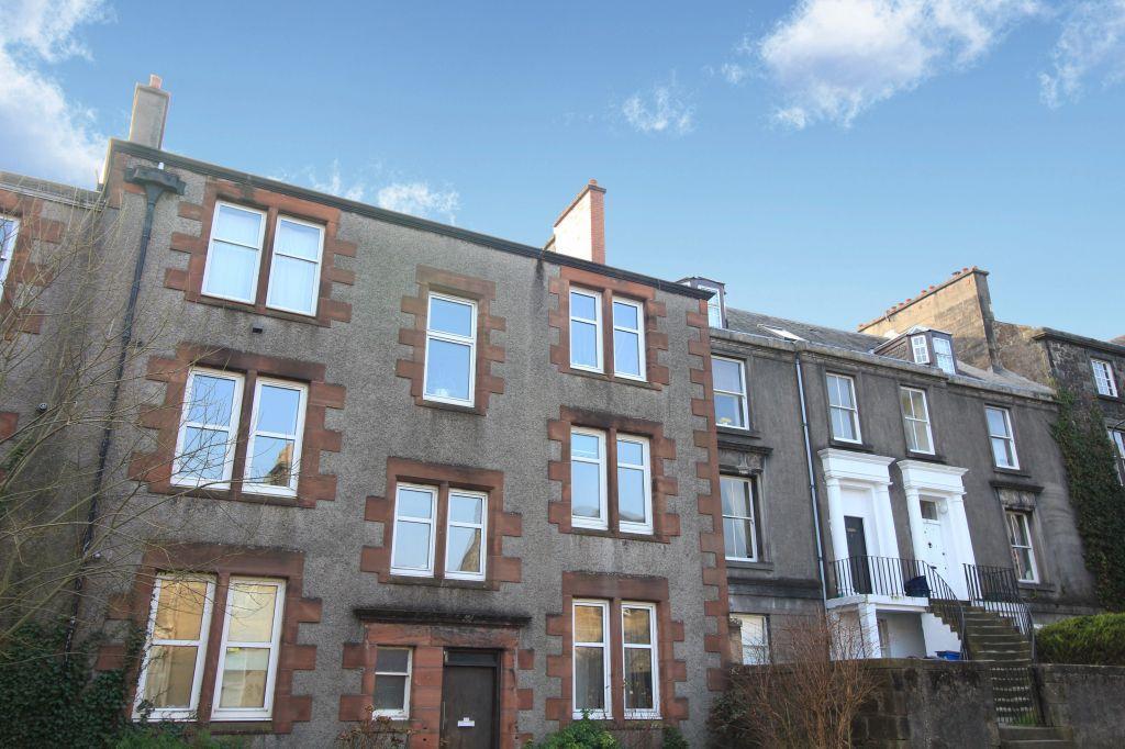 2 Bedrooms Flat for sale in 7c, Irvine Place, Stirling, FK8 1BZ