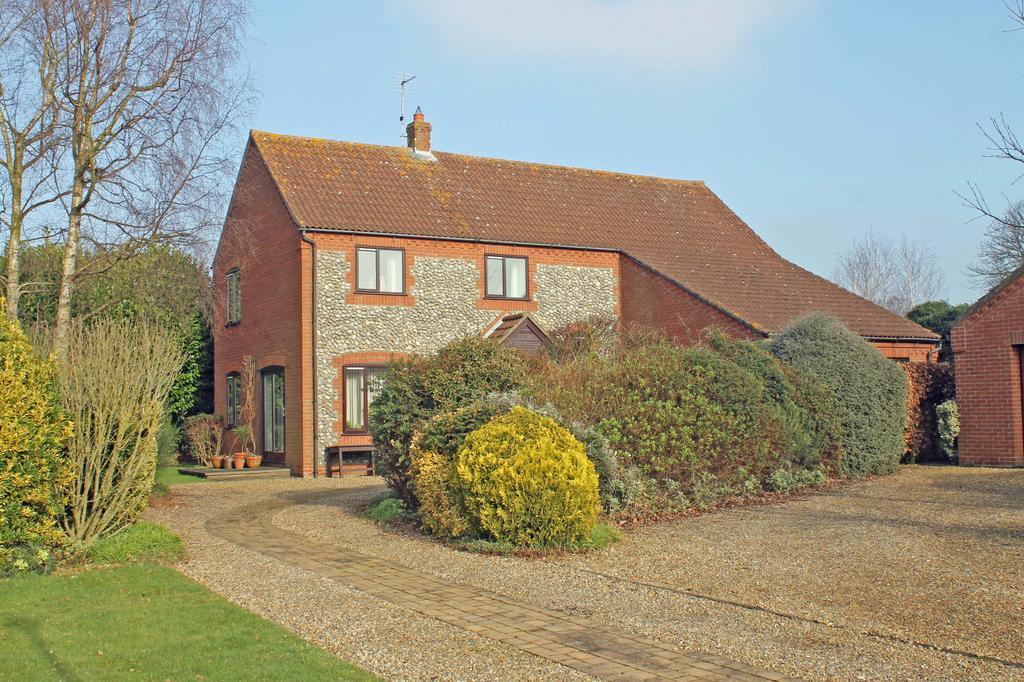 4 Bedrooms Detached House for sale in St Andrews Close, Holt NR25