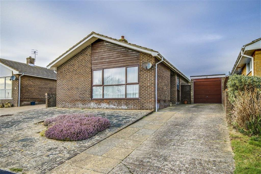 3 Bedrooms Detached Bungalow for sale in Valley Drive, Seaford