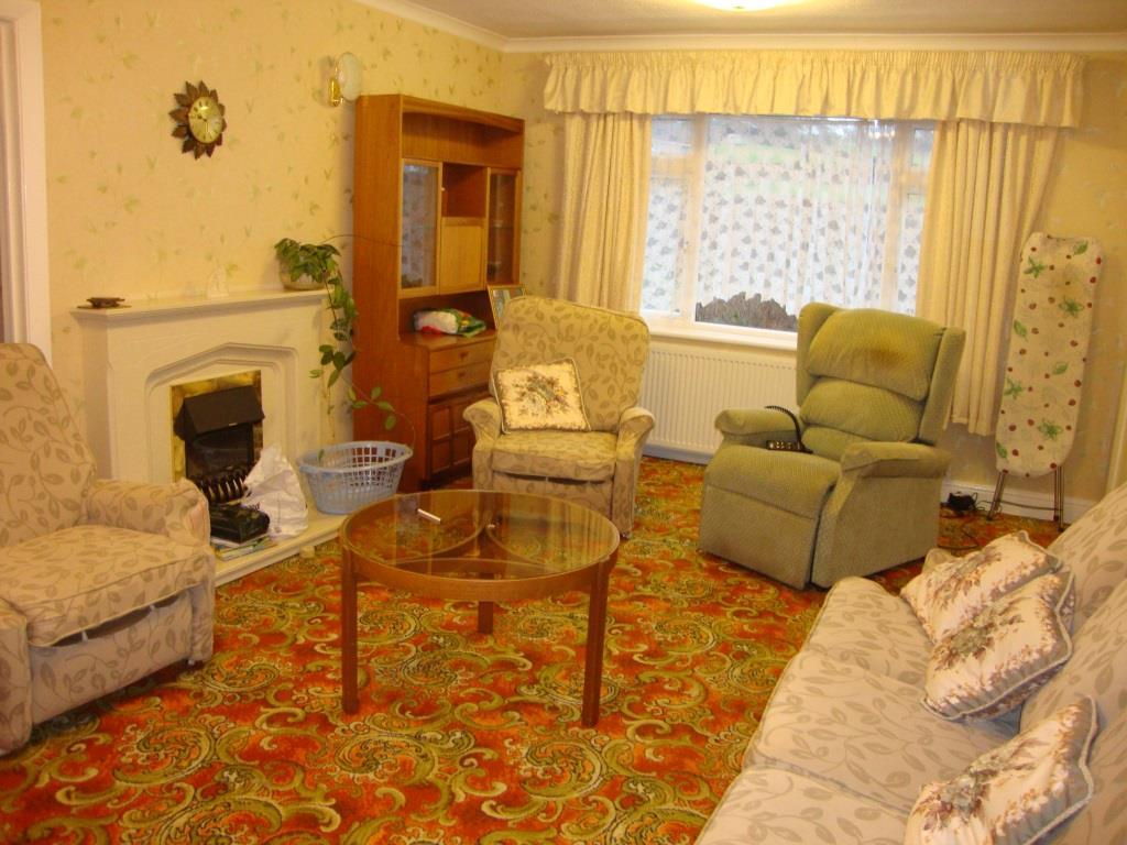 3 Bedrooms Detached House for sale in Bryn Saith Marchog, Corwen