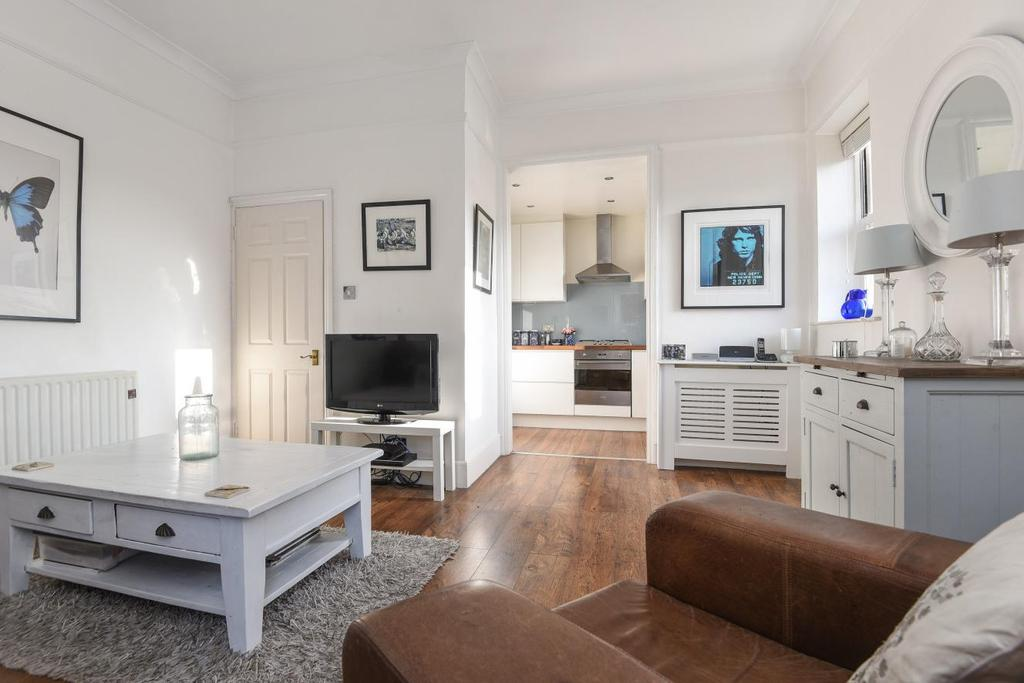 2 Bedrooms Flat for sale in Beaconsfield Road, Blackheath, SE3