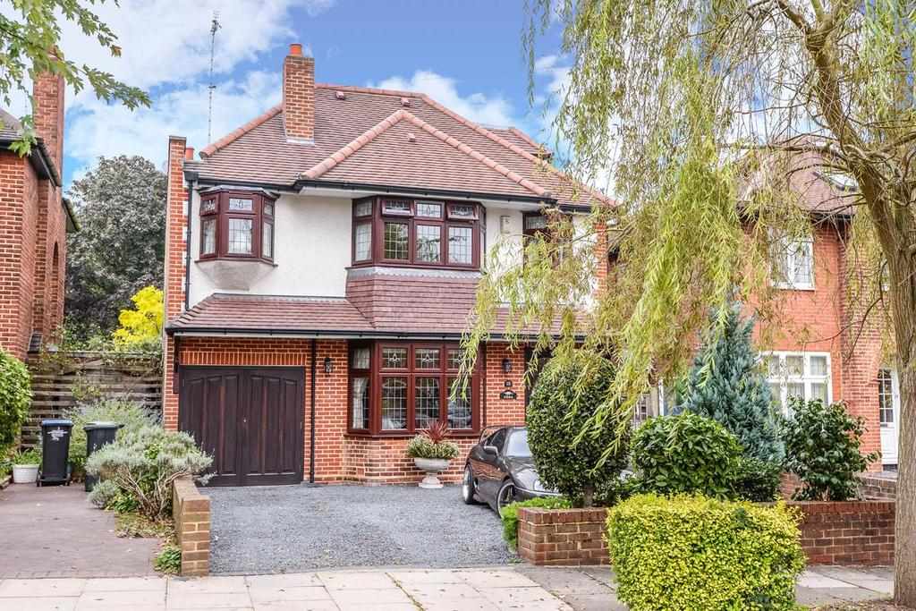 5 Bedrooms Detached House for sale in Oakwood Park Road, Southgate